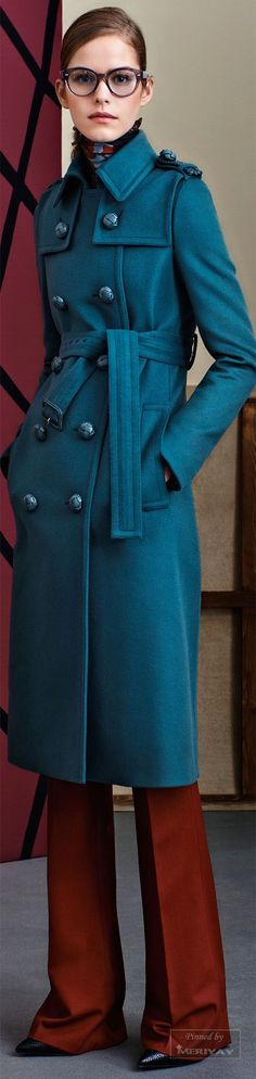 I feel like pinning this coat a million times so it doesnt get lost. Wow. Gucci.Pre-Fall 2015.
