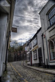The Castle pub in a little street in Macclesfield. this was the first pub i ever went in, aged about 15 White Cow, Black And White, Tudor Style, Mists, Castle, Street, Awesome, Places, Pictures