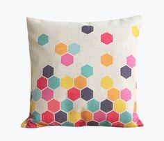Kissen mit bunten geometrischen Formen // cushion with colourful geometrical print by Atmosphärisch via DaWanda.com