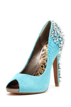 Lorissa Pump- i don't know where i would where these but dang i love em!