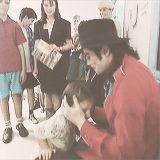 So much love in this man's heart. He always loved babies and all children of the world ღ by ⊰@carlamartinsmj⊱