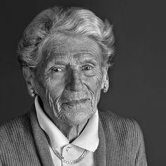 portrait femme âgées | Thomas Wibaux Photographe Chantilly Oise portrait studio femme âgée