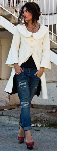 UVA by Madame De Rosa ck feminine cream jacket and jeans, red pumps cute idea