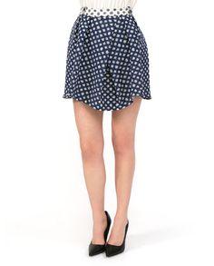Короткая расклешенная #юбка из коллекции #Tinsels. Сложный крой и оригинальный сине-белый принт придают яркости женственному романическому образу. Brandy Melville, Skater Skirt, Sequin Skirt, Mini Skirts, Stylish, My Style, Pretty, Clothes, Tops
