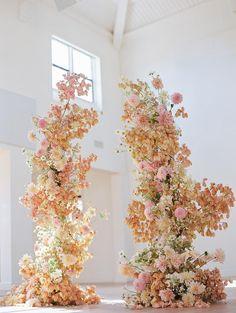 Wedding Ceremony Flowers, Ceremony Backdrop, Ceremony Decorations, Wedding Bouquets, Floral Wedding Decorations, Flower Installation, Floral Arch, Flower Arrangements, Dream Wedding