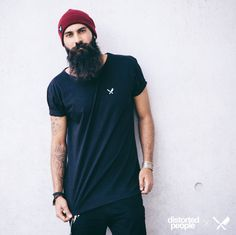 Distorted People Streetstyle : Black Crew Neck Tshirt, Red Beanie, combined with a black denim jeans