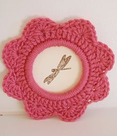 Lola Nova - Whatever Lola Wants: Mary Go Round crochet flower ring tutorial. Use felt to close the back and hold the pic.