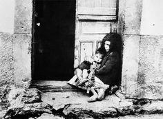 1936, Madrid. Niños en Robregordo Spanish War, Historia Universal, Children Images, Historical Photos, World War, Artwork, Painting, Loneliness, Google
