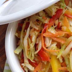 bunter Krautsalat mit Paprika und Möhre