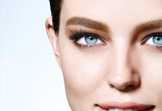 Auffällige Augenbrauen liegen absolut im Trend! Setze Deine Augenbrauen mit dem Maybelline BROW SATIN in Szene