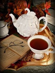Autumn Tea cup and tea pot with a book. Tea For One, My Cup Of Tea, Coffee Time, Tea Time, Morning Coffee, Autumn Tea, Autumn Lake, Tea And Books, Cuppa Tea