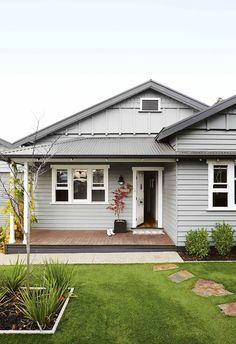 House Paint Exterior, Exterior House Colors, Interior Exterior, Exterior Design, Outdoor House Colors, Bungalow Exterior, Craftsman Bungalows, White Farmhouse Exterior, Farmhouse Front