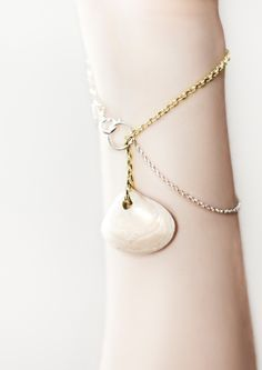 clam bracelet by milcincuenta
