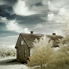Amazing Photography: The Invisible House By DingoDave