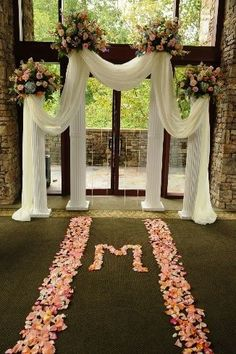 Discover thousands of images about Show me your wedding arch, chuppah, ceremony backdrop &inspirations! Wedding Columns, Wedding Ceremony Backdrop, Outdoor Ceremony, Wedding Backdrops, Wedding Ceremonies, Indoor Wedding Arches, Wedding Props, Wedding Venues, Church Wedding Decorations