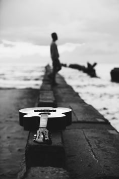 Most popular photography poses for men with guitar Ideas Acoustic Guitar Photography, Musician Photography, Photography Poses For Men, Photography Photos, Nature Photography, Best Acoustic Guitar, Guitar Art, Cello Art, Popular Photography