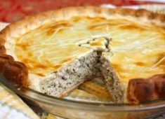 How to Make Classic Tourtière (Québec Pork Pie) Recipes for tourtière vary from region to region and kitchen to kitchen but whether you speak French or English in the home, celebrate Christmas or not, tourtière is an essential December dish. Pork Pie Recipe, Pie Recipes, Cooking Recipes, Cooking Food, Canadian Food, Canadian Cuisine, Flaky Pastry, Le Diner, Food And Drink