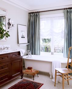The Most Beautiful Homes with Modern Victorian Style // clawfoot bath tub