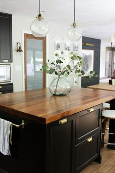 Big Sale on Butcher Block Countertops! (You can use them everywhere!) A Big Sale on Butcher Block Countertops! (You can use them everywhere!) - Chris Loves JuliaA Big Sale on Butcher Block Countertops! (You can use them everywhere! Black Kitchen Island, Kitchen Island Decor, Kitchen Lamps, Black Kitchen Cabinets, Butcher Block Countertops Kitchen, Kitchen Islands, Walnut Countertop, Modern Countertops, Laminate Counter