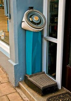 Weighing scales back in the day. Actually we still have these in the public toilets in Weymouth Childhood Images, 1980s Childhood, My Childhood Memories, School Memories, Weighing Scale, 90s Nostalgia, Ol Days, My Memory, The Good Old Days