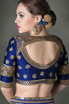 Damn! totally crushing over this royal blue and gold bridal outfit! #blouse #goals  #IndianWedding #outfit #ideas | curated by Witty Vows - The ultimate guide for the Indian Bride | www.wittyvows.com