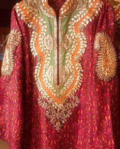 Salwar Neck Designs, Neck Designs For Suits, Kurta Neck Design, Dress Neck Designs, Kurta Designs Women, Blouse Designs, Simple Pakistani Dresses, Pakistani Wedding Outfits, Pakistani Dress Design