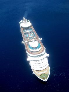 Freedom of the Seas from above
