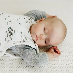 Baby nap schedules can be tough to figure out. Here's a sleep expert's best advice. Baby Sleep, Advice, Tips
