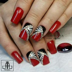 Grazu Nowadays, only painting your fingernails red isn't actually enough anymore; Pretty Nail Art, Cute Nail Art, Cute Nails, Fancy Nails, Bling Nails, Red Nails, Fabulous Nails, Gorgeous Nails, Beauty Hacks Nails