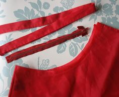 How to resize a skirt waist-- great for vintage skirts that are way too small!