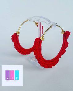 Que tal estos hermosos Aros Rojo🍓💋 para ese look arrollador 👠👗 que tienes en tu clóset? Pidelos ➡️➡️ @viccomplements y sal a conquistar el… Crochet Earrings, Jewelry, Instagram, Fashion, Red, Stud Earrings, Sweetie Belle, Tejidos, Moda