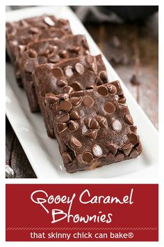 Layered Caramel Brownies - A gooey, retro brownie recipe that's stood the test of time! #brownies #caramel #retrorecipe #nonuts #thatskinnychickcanbake