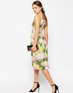 ASOS Structured Occasion midi Dress in Pretty Floral - I want this dress! (affiliate)