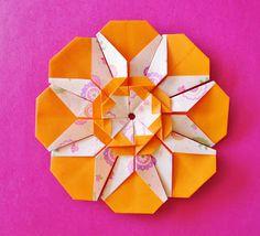 Serenata em Flor modular tutorial by Carla Onishi Envelope Origami, Origami Quilt, Origami Car, Origami Mouse, Origami Star Box, Origami And Kirigami, Modular Origami, Oragami, Gato Origami