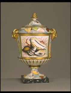 Robert Chamberlain (1736-1798), who founded the factory that made these vases, was apprenticed to learn 'pot painting' at the Worcester porcelain factory. In due course he took charge of the 'ornamental part of the production' there. Around 1786 he left this factory and started his own business in Worcester. At first he ran it as a decorating workshop, but within a few years he was manufacturing wares himself, in direct competition with his former employers