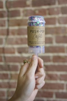 The perfect way to say goodbye? Push-pop confetti!