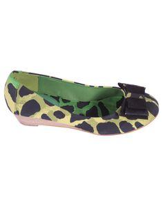 "Bailarina estampado verde http://www.nizaonline.com/es/primavera-verano-2013/mujer/calzado/#{""product"":""373""}"