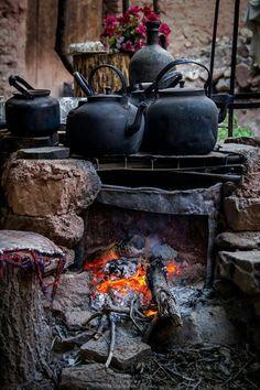 Nur Sachen, die ich gefunden habe -  - #OutdoorKuche Witch Cottage, Witch House, Wedgwood Pottery, Kitchen Witchery, Outdoor Living, Outdoor Decor, Outdoor Cooking, Wabi Sabi, Country Life