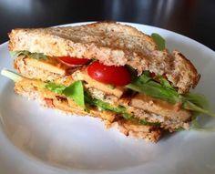 Veg ma con gusto!:): VEGCLUB Sandwich #vegan #clubsandwich