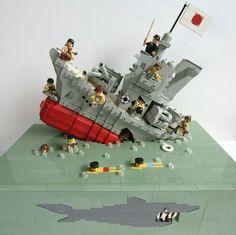 Don't go in the water Lego Ww2, Lego Army, Lego Titanic, Lego Boat, Lego Ship, Lego Modular, Lego Worlds, Cool Lego Creations, Lego Projects