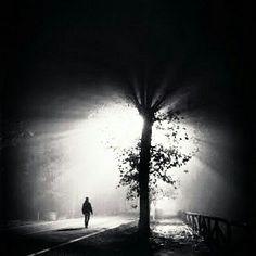 لا أكتب لتقرأ ..! ولا أشتاق لتأتي ..! أنا فقط اعبث حتى تمضي الحياة ....!! ~ za