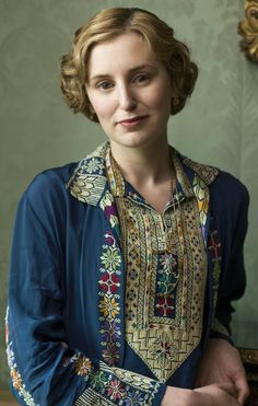 The Right Honorable the Marchioness of Hexham, Edith Pelham (née Crawley) of Downton Abbey Downton Abbey Costumes, Downton Abbey Movie, Downton Abbey Fashion, Edith Crawley, Matthew Crawley, 20s Fashion, Fashion Looks, Lady Sybil, Lady Violet