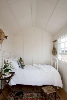 Adorable 40+ Great Vintage Bedroom Ideas Decorating https://roomadness.com/2017/09/16/40-great-ideas-vintage-bedroom/