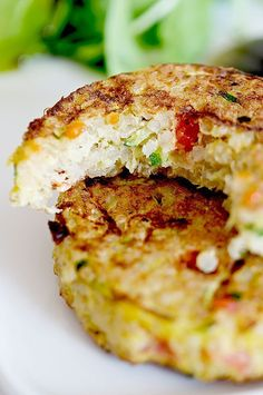 Quinoa and vegetable patties – B comme Bon – Famous Last Words Quinoa Recipes Easy, Vegetarian Recipes, Healthy Recipes, Salad Recipes, Quinoa Cake, Quinoa Food, How To Cook Quinoa, Vegan Dishes, I Love Food