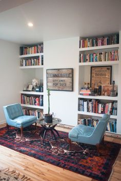 Simple stylish built-in wall home library design