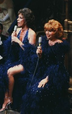Carol Burnett and Beverly Sills Authors, Writers, Beverly Sills, Singer Costumes, Carol Burnett, Fact Families, Opera Singers, That's Entertainment, Special People