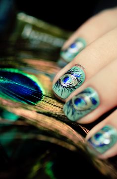Dior Bird of Paradise Peacock nail art. Pshiiit.com