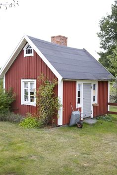This small house used for an  accommodation when the extended family is visiting - Guest House