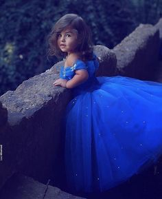 Flowergirl - totally pretty in electric blue photo by @aisleperfect •