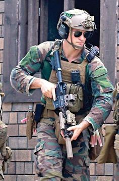On duty . Us Special Forces, Military Special Forces, Special Ops, Military Police, Usmc, Military Photos, Military History, Navy Seal Symbol, Marsoc Marines